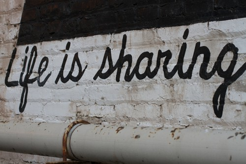 Foto: Life is sharing von Alan Levine (CC BY 2.0)